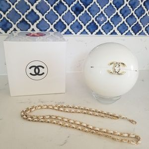 Chanel pearl purse/clutch